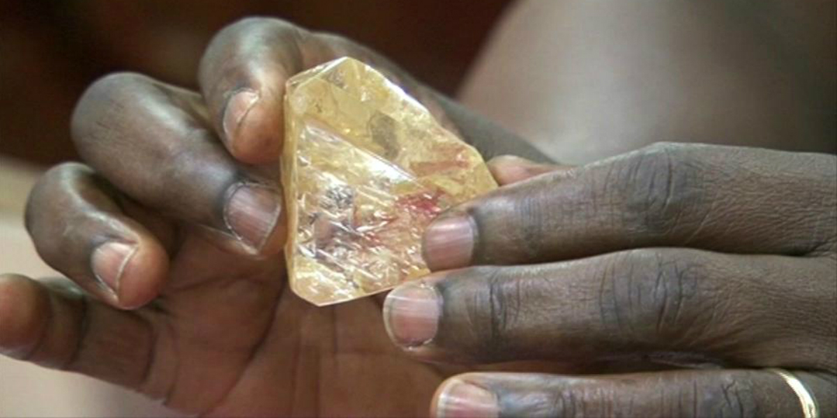Dar od Boha: pastor našel diamant za 200 milionů a věnoval ho státu
