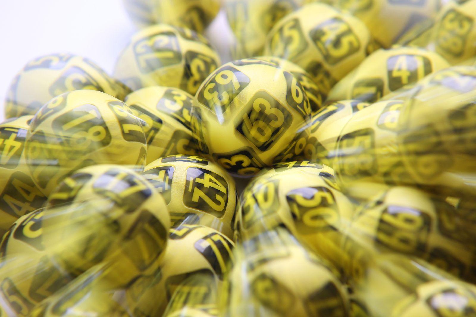 Čechům by stačilo vyhrát 10 milionů