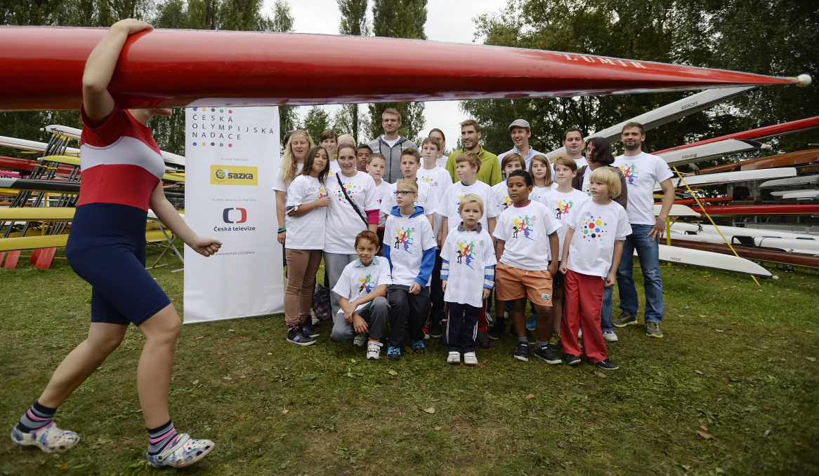 Skifař Ondra Synek vzal děti na trenažér