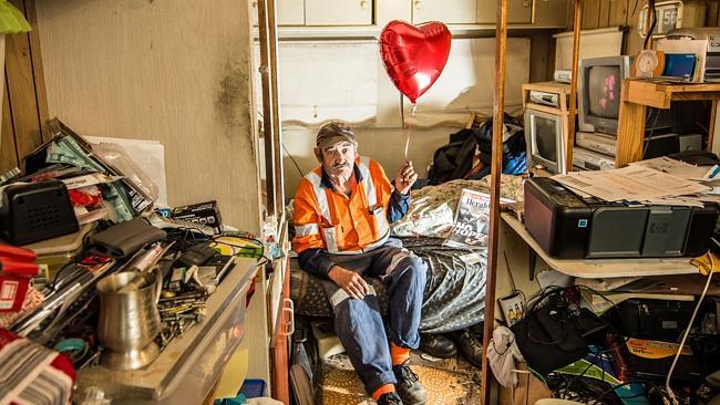 Výherce žije v karavanu a hledá ženu