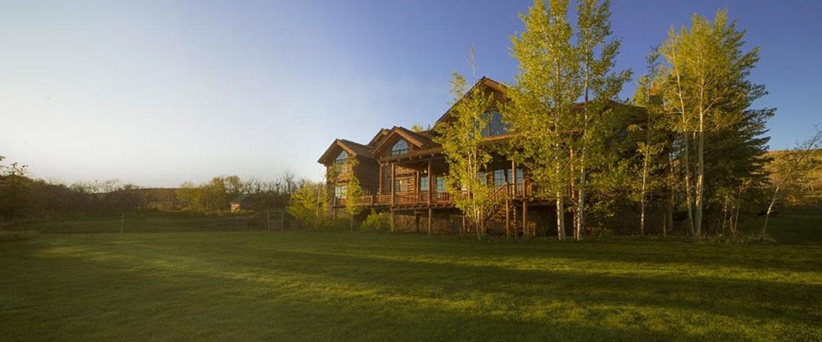 Líbil by se vám tenhle ranč? Je dvakrát větší než Praha