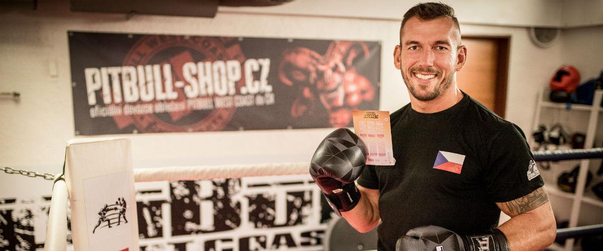 SAZKA reportér: Mistr světa Daniel Vencl vyhrává v ringu i v životě