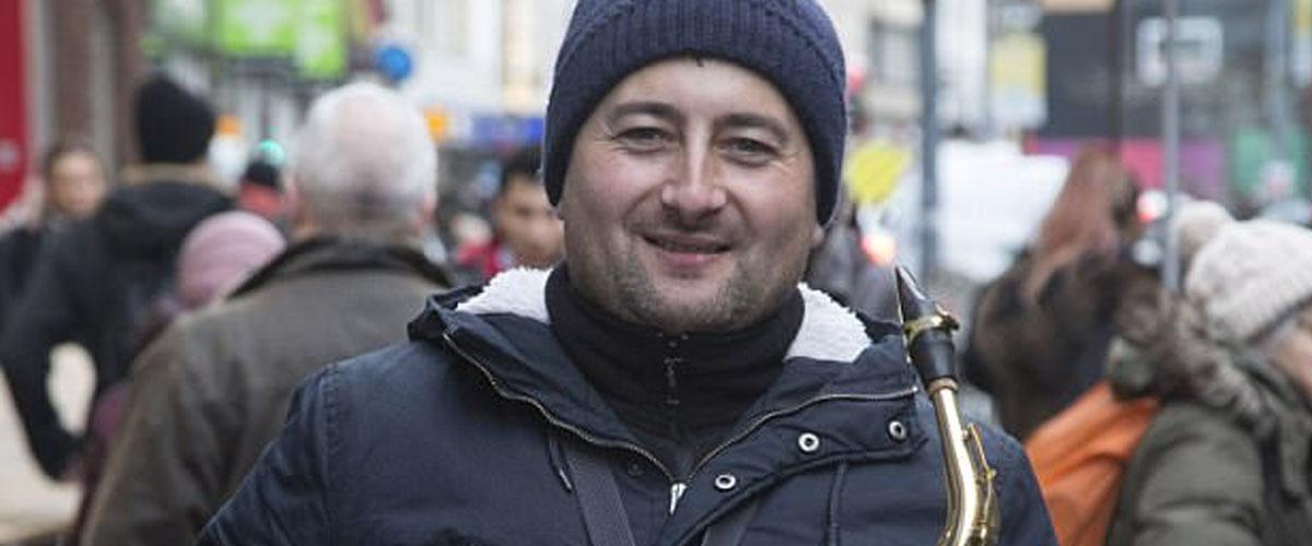 Obří štěstí rumunského dělníka: stal se hudební hvězdou v Londýně
