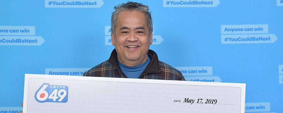 Školník vyhrál v loterii 122 milionů, do práce ale chodit nepřestane