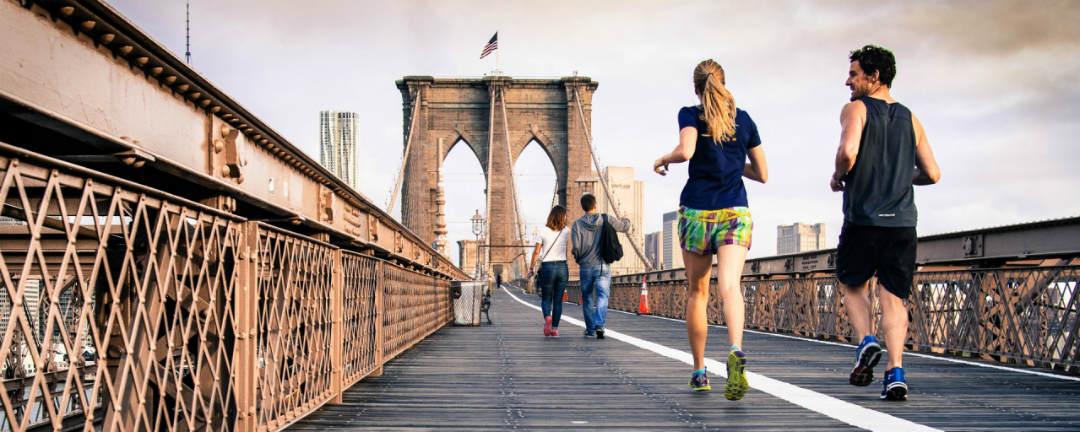 Vstávejte brzy a sportujte. 5 zvyklostí, které bohatí dělají každý den