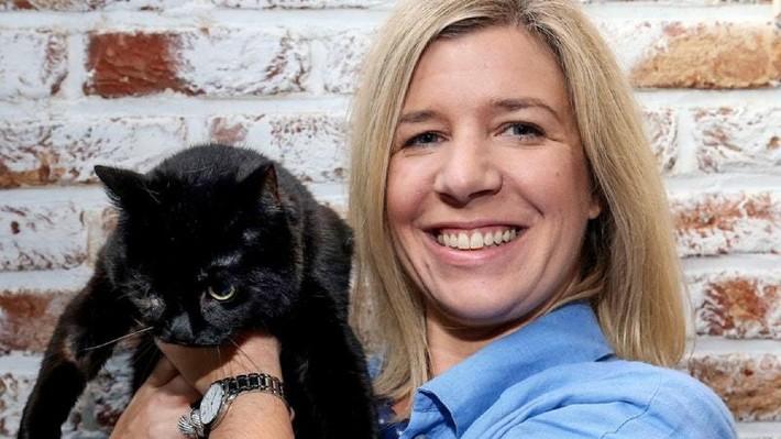 Žena vyhrála měsíční rentu 300 tisíc na 30 let. Utratí ji za svoji kočku