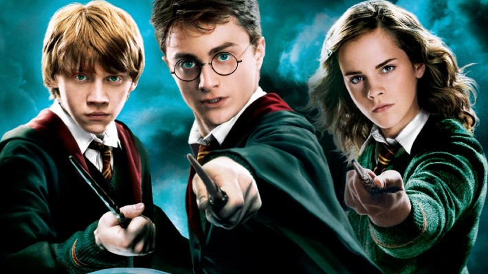 Vyhodila oknem miliony. Autorka Harryho Pottera rozdává novou knihu zdarma
