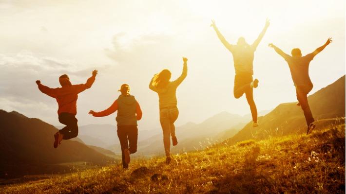 Štěstí si za peníze nekoupíš? Nová studie naznačuje opak