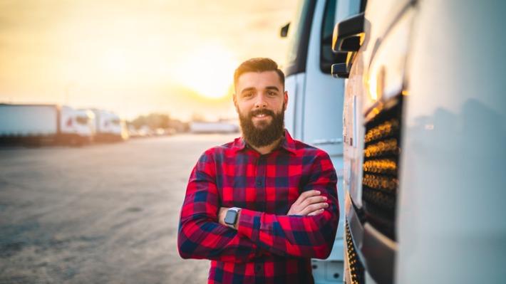 Neuvěřitelný příběh: řidič kamionu přelstil vlastní smrt, pak vyhrál v loterii dvakrát za sebou