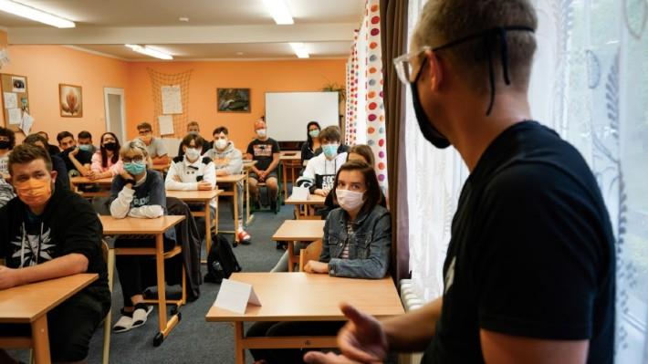 Esportový tým Brute a Sazka podpořili studenty oboru počítačových her