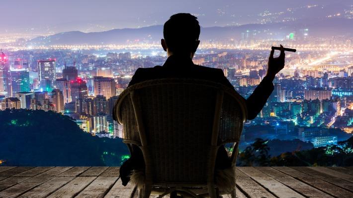 Chcete už konečně zbohatnout? Známe 6 zvyků boháčů, které jim vydělaly miliony