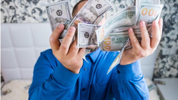 """Milionář a školník Tyron Curry radí budoucím výhercům: """"Buďte sami sebou a pomáhejte ostatním."""""""