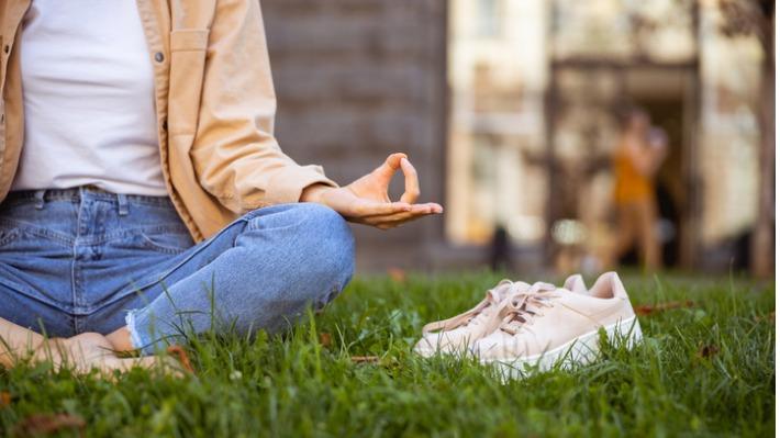 Přestaňte se stresovat a zlepšete spánek. Nejlepší aplikace na meditace a relaxaci